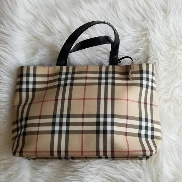 Burberry Handbags - EUC classic vintage Burberry large tote